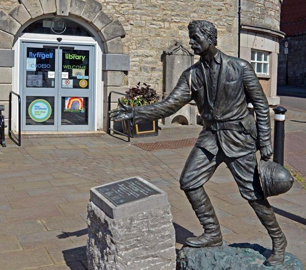 The Henry Morton Stanley statue in Denbigh.