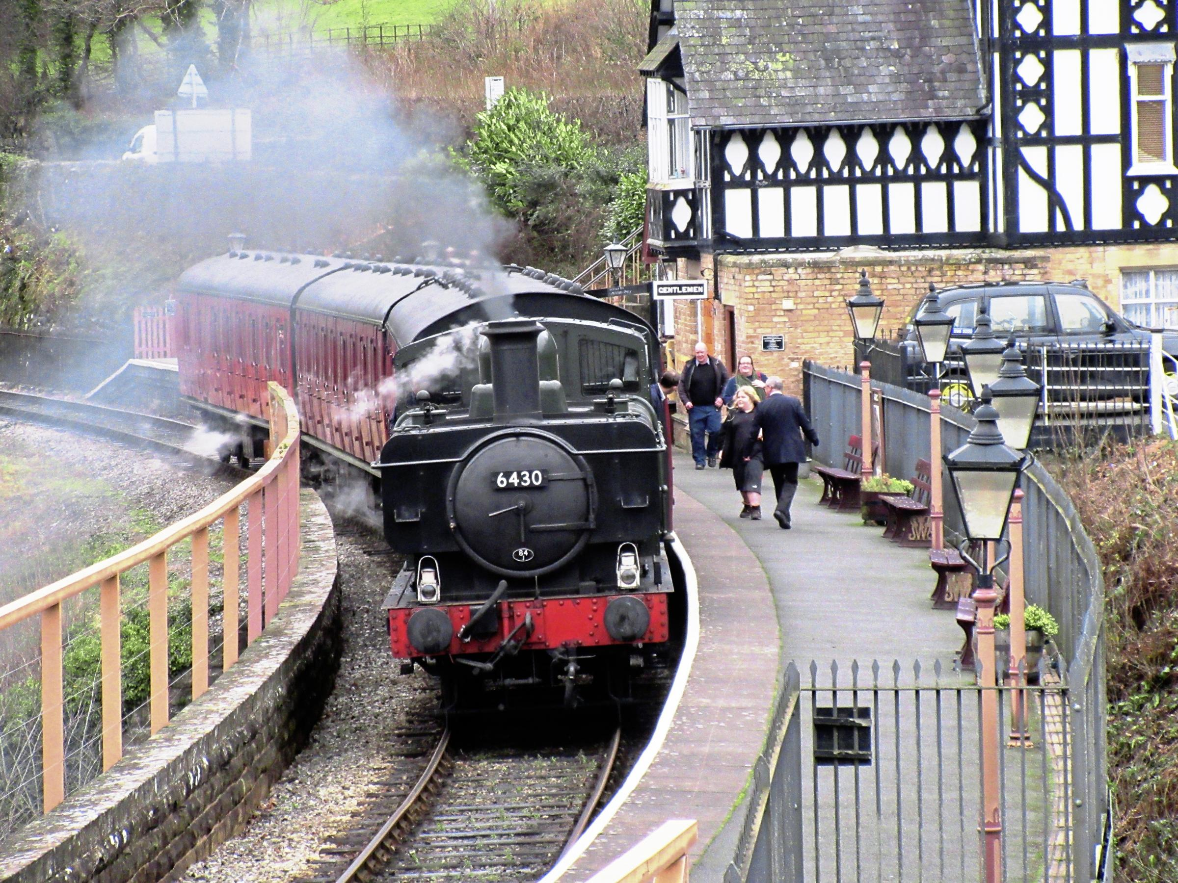 The two engine formation of 5199 and 2807 enters Berwyn station during Llangollen Railway's Winter Warmer weekend event