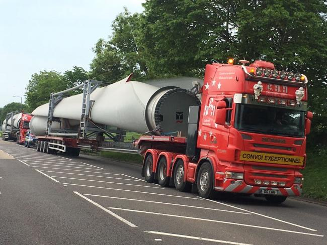 The first blades for the turbines being delivered to the Brenig site. Picture: North Wales Police Roads Policing Unit/Twitter