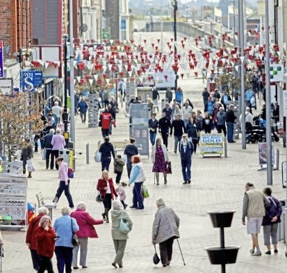 Shoppers on Rhyl High Street could be set to benefit from free wifi