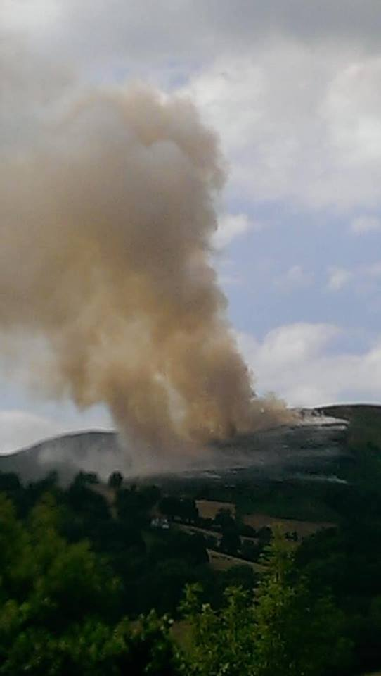 The mountain blaze in Llantysilio, near Llangollen. Picture: Tanzy Roberts/Llangollen and District Notice Board/Facebook